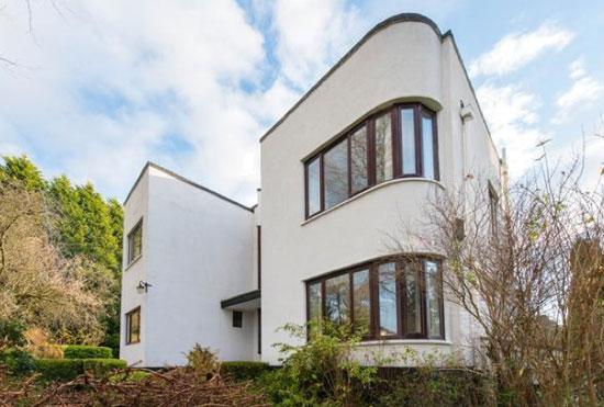 1930s Balnagarrow art deco property in Cramond Village, near Edinburgh, Midlothian