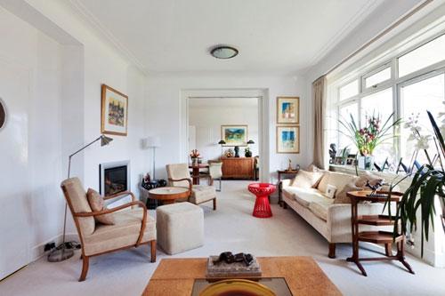 Two-bedroom art deco flat in the Ravelston Garden building, Ravelston, Edinburgh