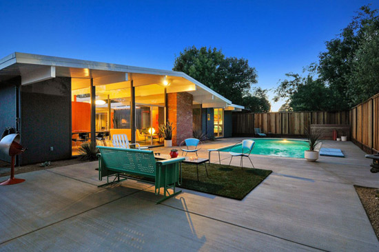 1960s A. Quincy Jones-designed midcentury Eichler house in Concord, California. USA
