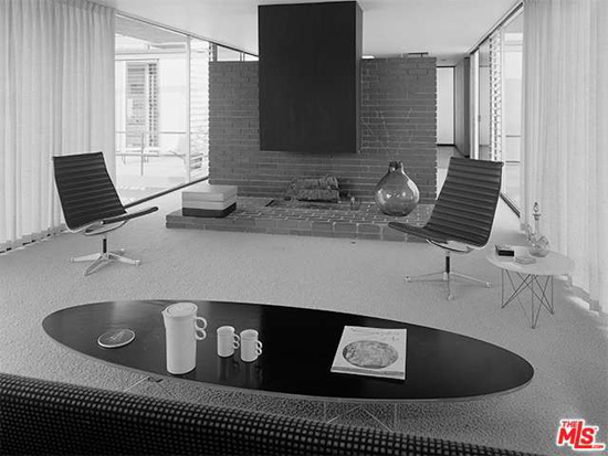 1950s midcentury modern: Craig Ellwood's Smith House in Los Angeles, California, USA