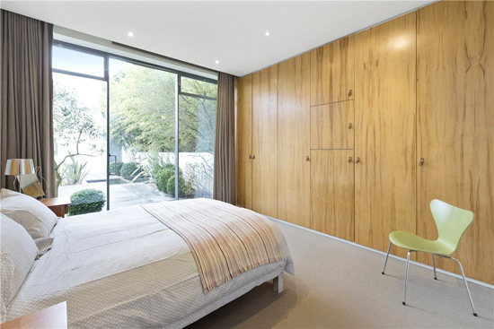 Elspeth Beard modernist property in Guildford, Surrey