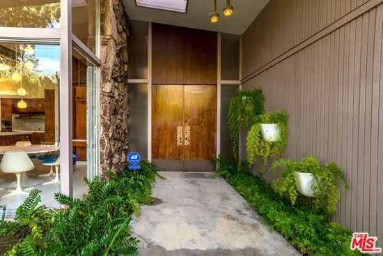 1960s Cliff Burlew-designed midcentury modern property in Encino, Los Angeles, California, USA