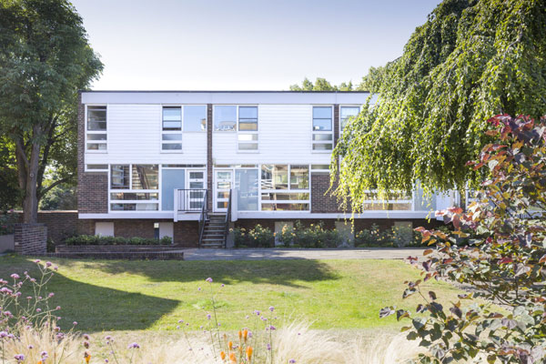 1960s Eric Lyons Span House in South Row, London SE3