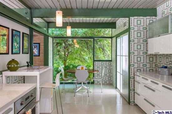 1950s Richard Leitch-designed midcentury property in Altadena, California, USA