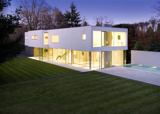 Wilkinson King-designed modernist property in Esher, Surrey