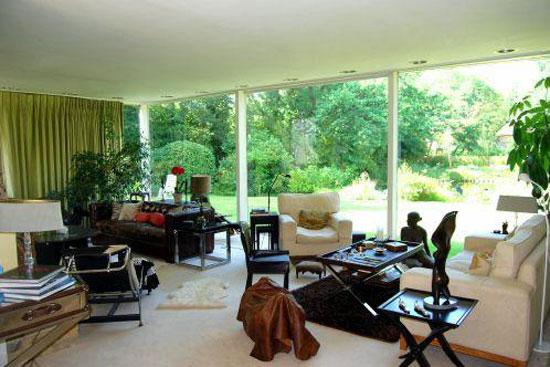 1950s four-bedroom modernist property in Esher, Surrey