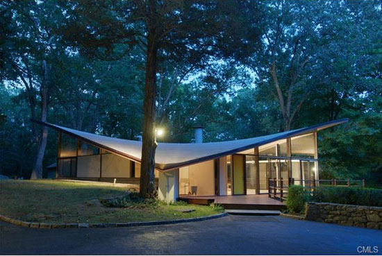 On the market: 1960s James Evans-designed The Evans House in New Canaan, Connecticut, USA
