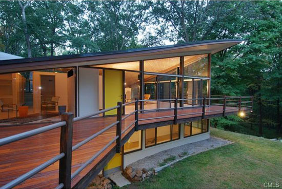 1960s James Evans-designed The Evans House in New Canaan, Connecticut, USA