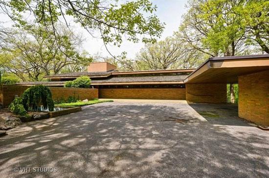 On the market: 1950s Frank Lloyd Wright-designed Louis B. Frederick House in Barrington Hills, Illinois, USA