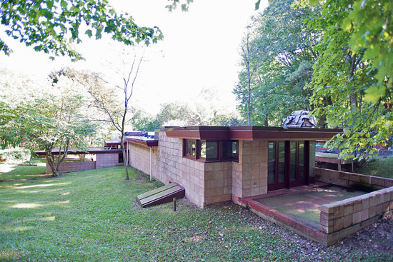 1950s Frank Lloyd Wright-designed Eppstein Residence in Galesburg, Michigan, USA