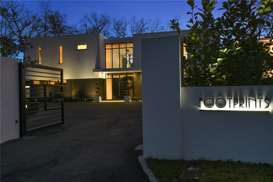 Footprints contemporary modernist property in Stoke Poges, Buckinghamshire