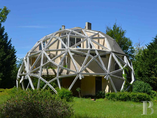 On the market: 1970s Jean Daladier-designed La Géode experimental property in Yonne, Burgundy, France