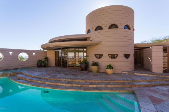On the market: Frank Lloyd Wright-designed Lykes Home in Phoenix, Arizona, USA