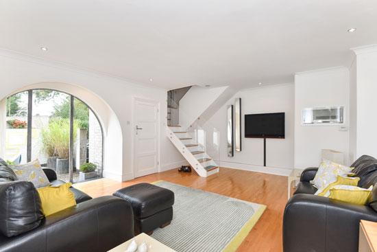 1960s modernism: Lawrence Abbott-designed modernist property in Frimley, Surrey