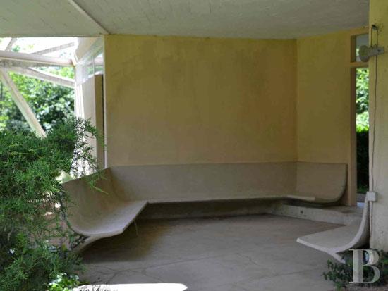 1970s Jean-Daladier-designed La Géode experimental property in Yonne, Burgundy, France