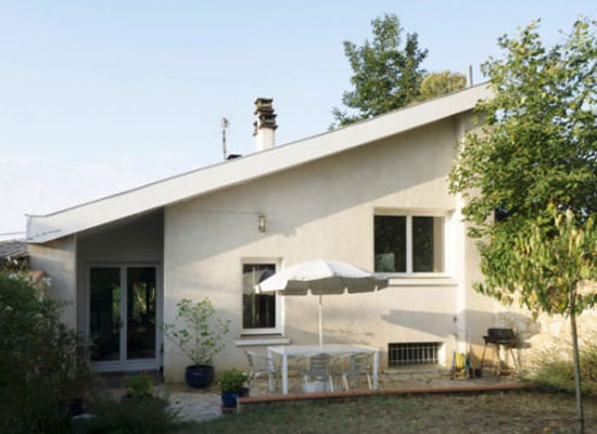 1970s modernism: Two-bedroom property in Fleurance, south-west France