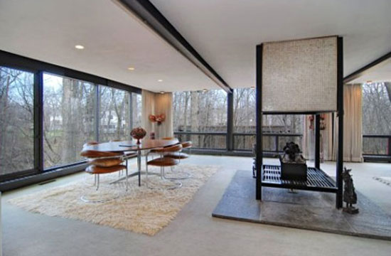 1950s A. James Speyer and David Haid-designed Ferris Bueller house in Highland Park, Illinois, USA