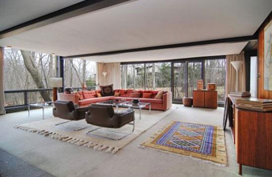 1950s A. James Speyer and David Haid-designed 'Ferris Bueller' modernist house in Highland Park, Illinois, USA