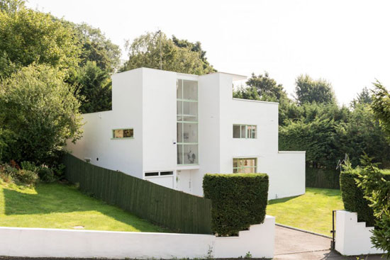 1930s Connell and Ward-designed First Sun House modernist property in Amersham, Buckinghamshire