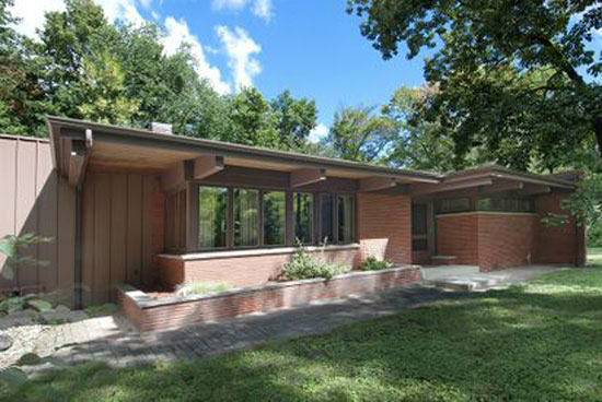 On the market: 1950s Frank Lloyd Wright-inspired midcentury property in Long Grove, Illinois, USA