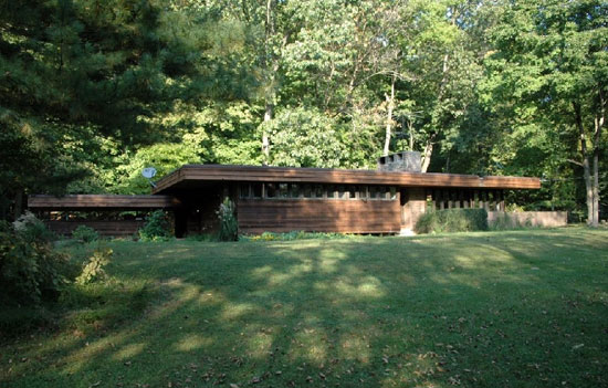 On the market: Frank Lloyd Wright-style three-bedroom property in Hunterdon County, New Jersey, USA