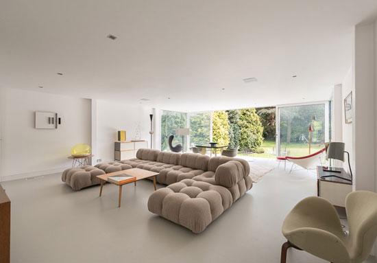1960s Peter Foggo and David Thomas-designed modernist property in Holyport, Berkshire