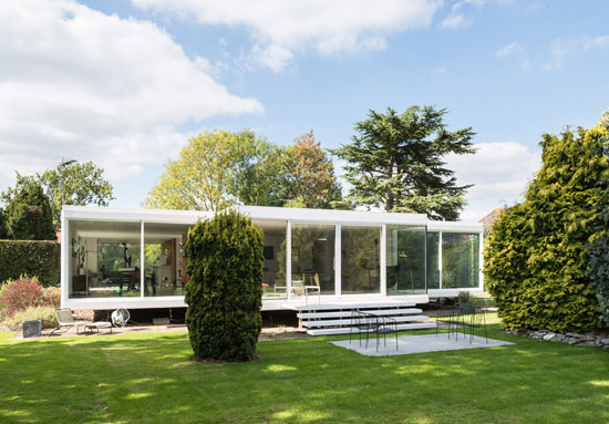 1960s Peter Foggo and David Thomas-designed modernist property in Holyport, Berkshire