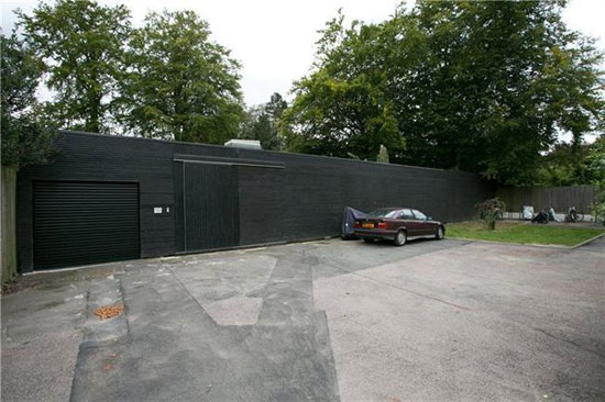 On the market fortress house contemporary modernist for Fortress house