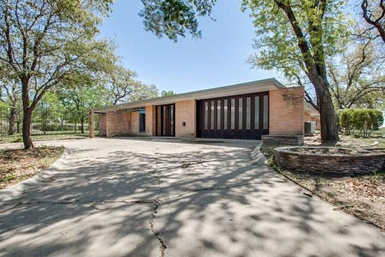 1950s Lars Bang-designed midcentury modern property in Fort Worth, Texas, USA