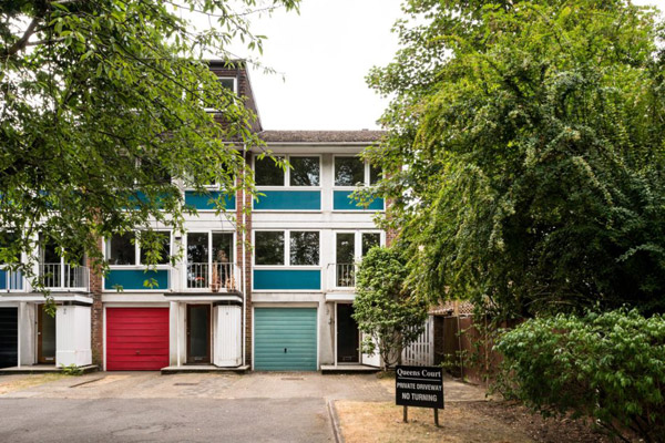 1960s Rodney J Allen modernist townhouse in Beckenham, London BR3