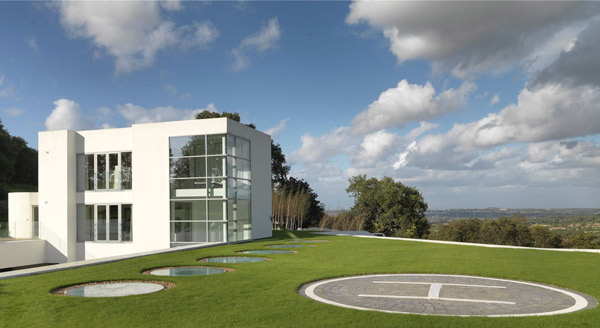 Steppingstone modern house in Helsby, Cheshire