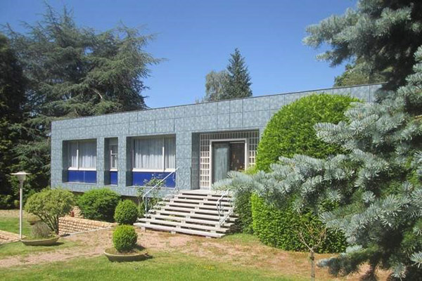 1960s modernist property in Gueret, central France