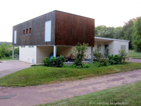 On the market: 1960s Jacques Rabinel-designed modernist property in Aubergenville, central France