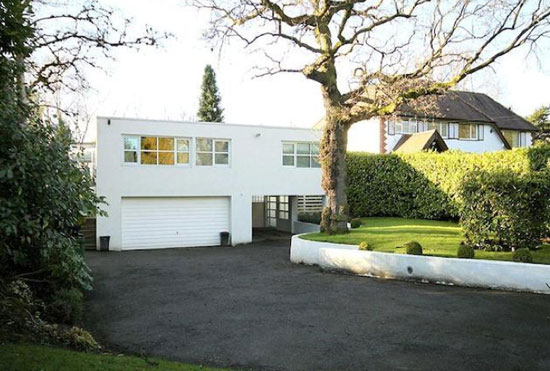 1970s Frazer Crane-designed three-bedroom modernist property in Hale Barns, Cheshire
