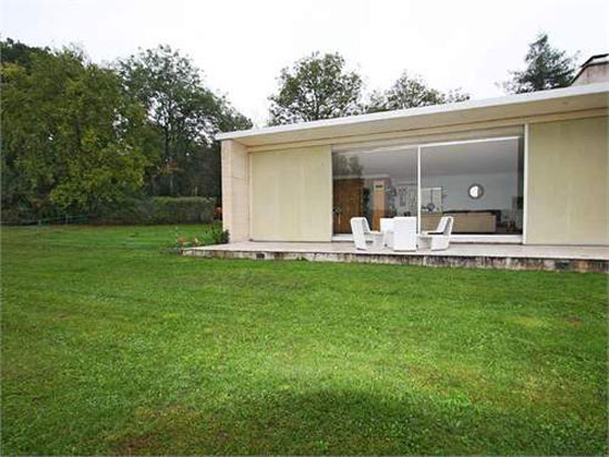 1960s Jacques Rabinel-designed modernist villa in Aulnay-sur-Mauldre, near Paris, France