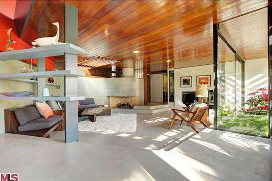 1950s A. Quincy Jones-designed The Friedman House in Los Angeles, California, USA