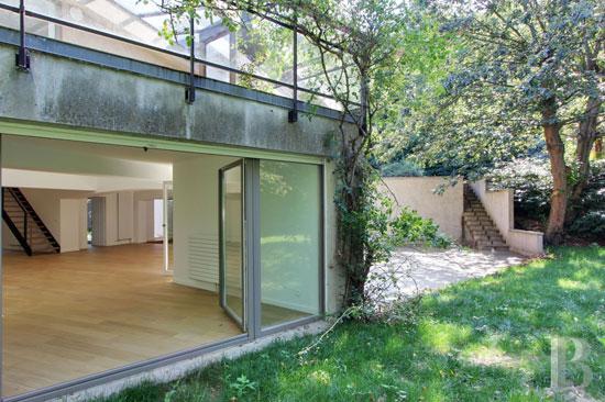 1960s modern house in Jouy-en-Josas, Versailles, France