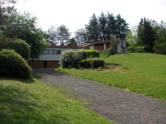 In need of renovation: 1960s architect-designed three-bedroom property in L'Isle-Jourdain, Vienne, Western France