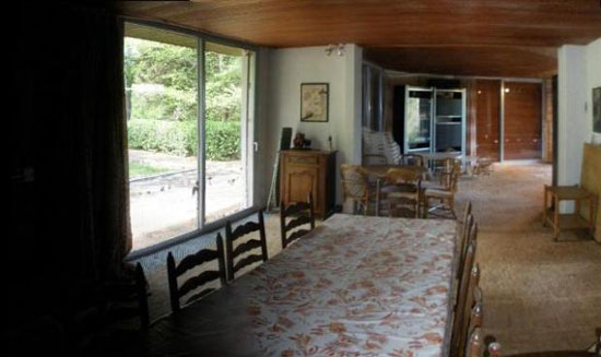 1960s architect-designed three-bedroom property in L`Isle-Jourdain, Vienne, Western France