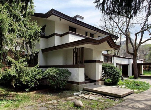 Frank Lloyd Wright-designed Charles R. Perry House house in East Glencoe, Illinois