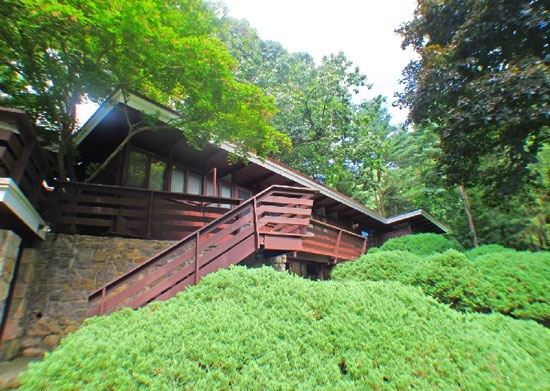 On the market: 1950s Frank Lloyd Wright-inspired property in Ardsley, New York state, USA