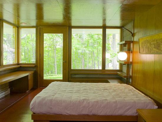 Allan J. Gelbin-designed midcentury modern two-bedroom property in Weston, Connecticut, USA