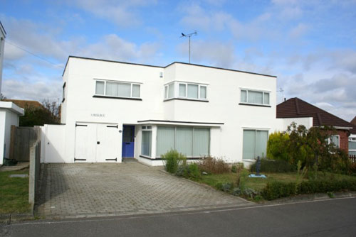 Four-bedroom 1930s art deco house in Frinton On Sea, Essex