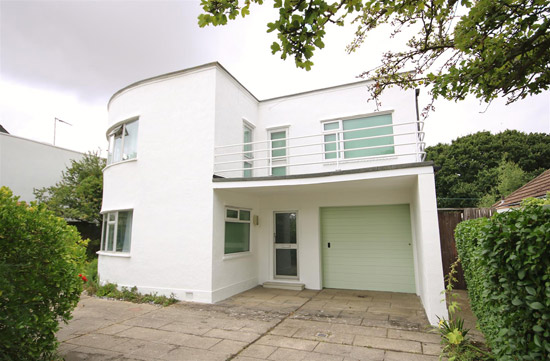 1930s Oliver Hill art deco property in Frinton-On-Sea, Essex