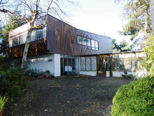 In need of renovation: 1960s architect-designed five-bedroomed house in Frodsham, Cheshire