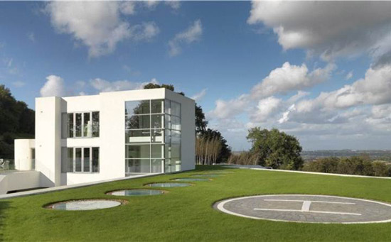 Steppingstone contemporary modernist property in Helsby, Frodsham, Cheshire