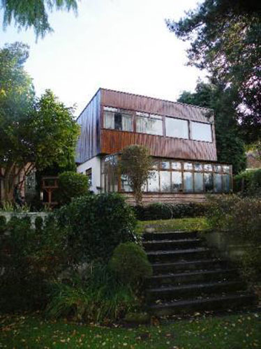 1960s architect-designed five-bedroomed house in Frodsham, Cheshire