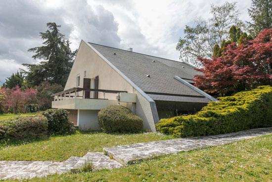 1970s Henri Guibout modern house in Les Loges-en-Josas, France