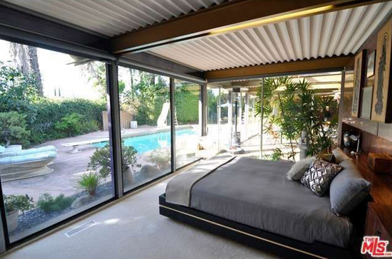 The Grossman House 1960s midcentury property in Los Angeles, California, USA