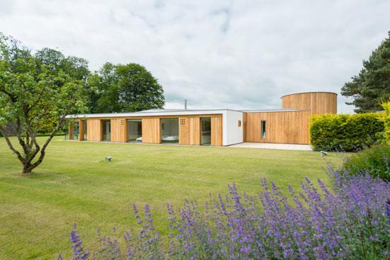 Gareth Hoskins-designed contemporary modernist property in Ladybank, Fife, Scotland